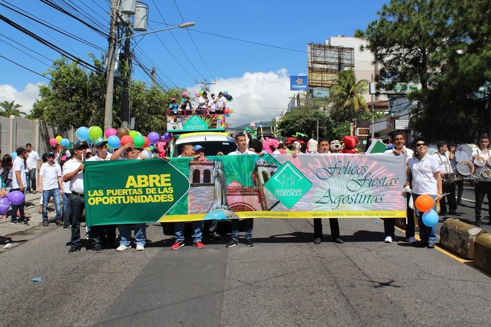 Participación en Desfile del Comercio