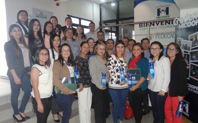 """PASANTÍA """"ESTRATEGIAS MERCADOLÓGICAS DE EXPANSIÓN"""" MICOOPE- GUATEMALA"""